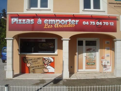 pizzas-les-arcades1